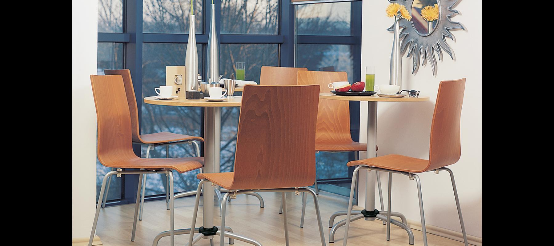 krzesła stacjonarne cafe aranżacje - 12