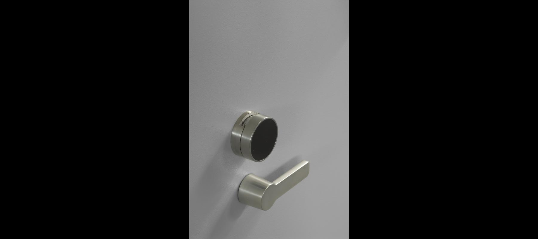 meble metalowe sejfy i szafy pancerne szafy aktowe wzmocnione mw detale - 03