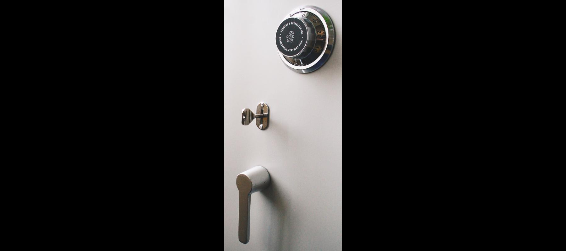meble metalowe sejfy i szafy pancerne szafy aktowe wzmocnione mw detale - 06